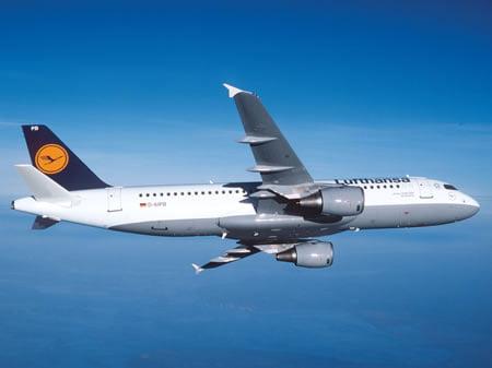 PLASTIMODELO Airbus A320 Lufthansa - 1/144 - REV 04267