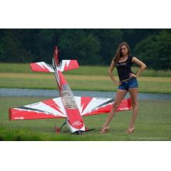 """Aeromodelo Extreme Flight 104"""" Extra 300"""
