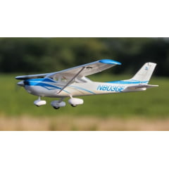 AEROMODELO ELETRICO UMX CESSNA182 BNF BASIC WITH AS3X