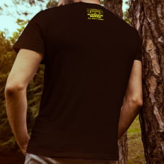 Camiseta T-SHIRT House Music Smile da Marca Floresta Negra Disco Virtual Cor Preta